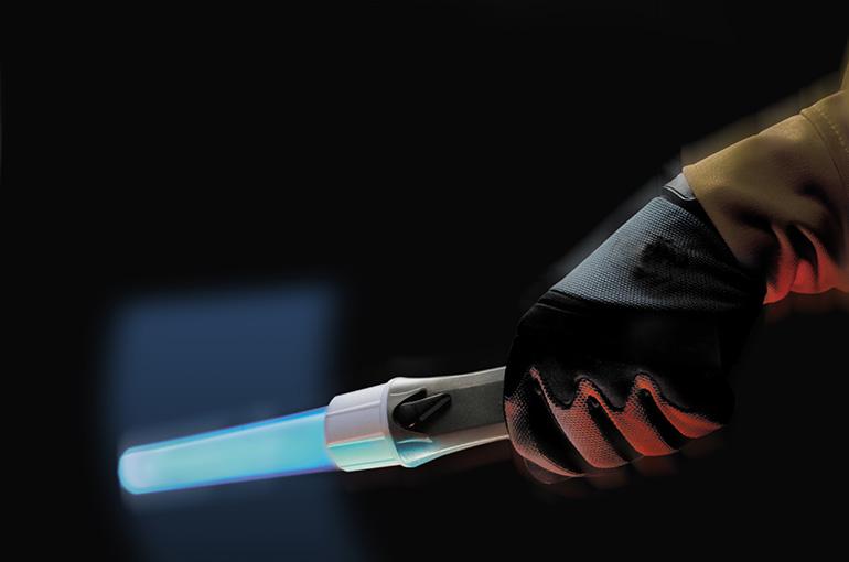 pelican-2490-recoil-led-traffic-wand