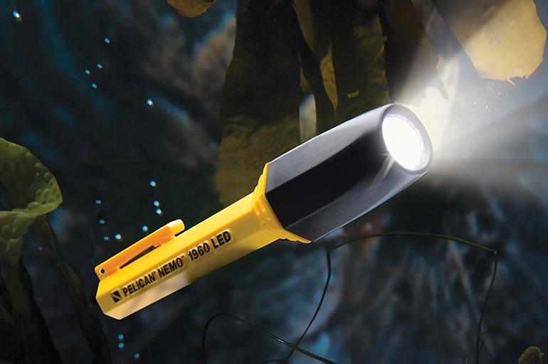 pelican-flashlight-dive-light-1960-nemo