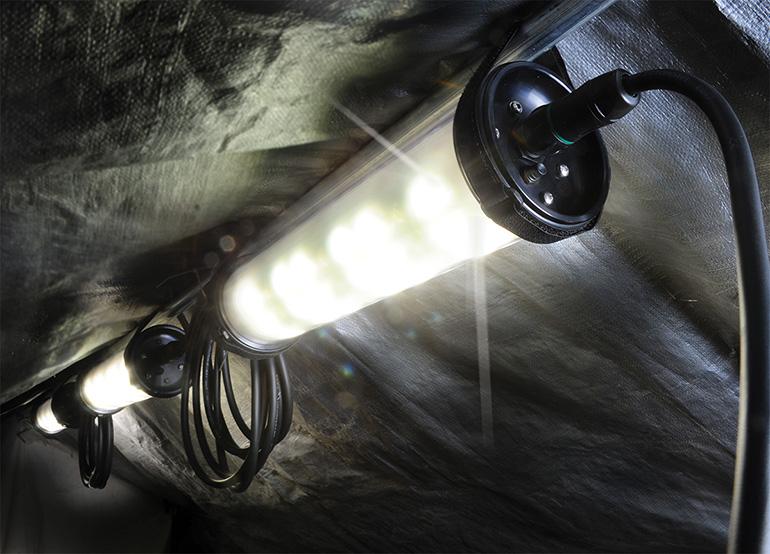 pelican-shelter-light-rugged-led-9500-sheer-lighting-system