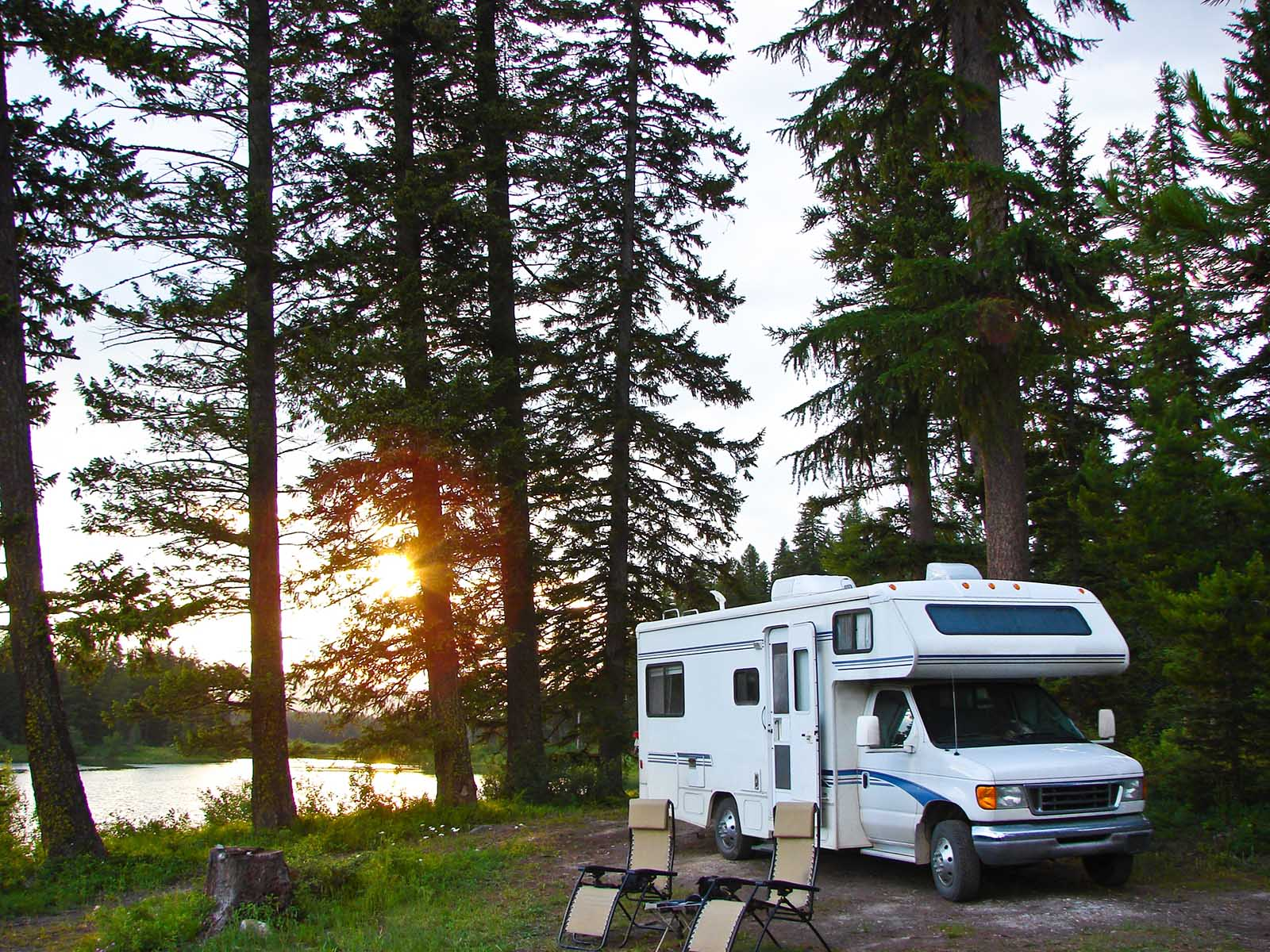 rv parked campsite