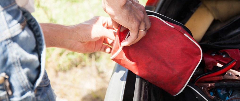 pelican consumer blog what to put in a car emergency kit