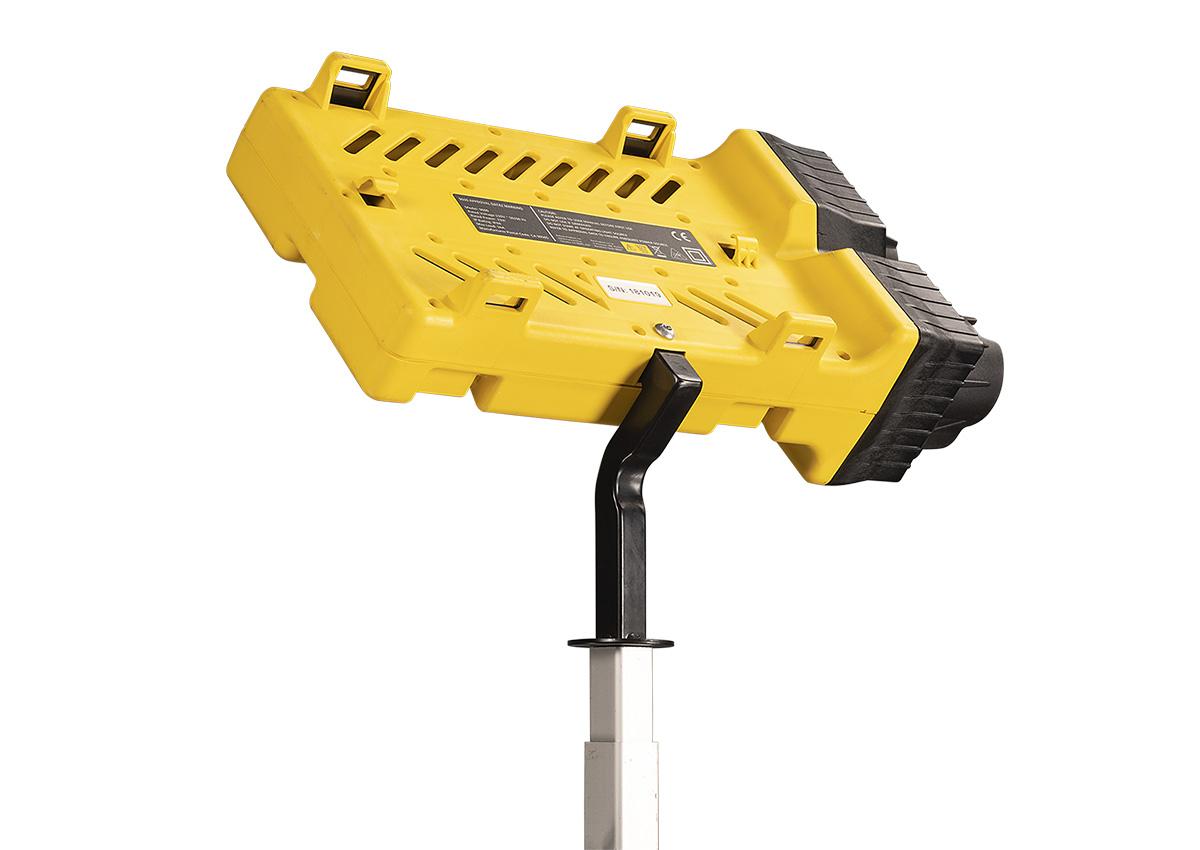pelican 9600 mountable remote led light