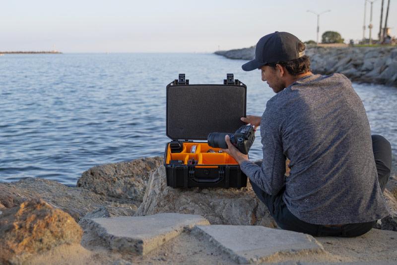 pelican vault v330 padded divider camera lens case