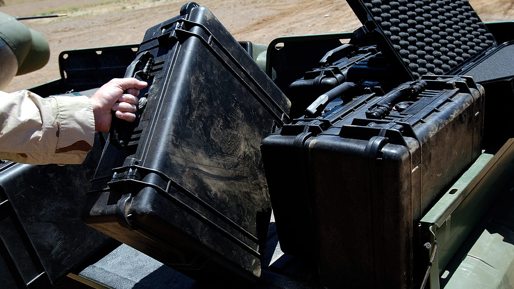 pelican 1550 military weapon case