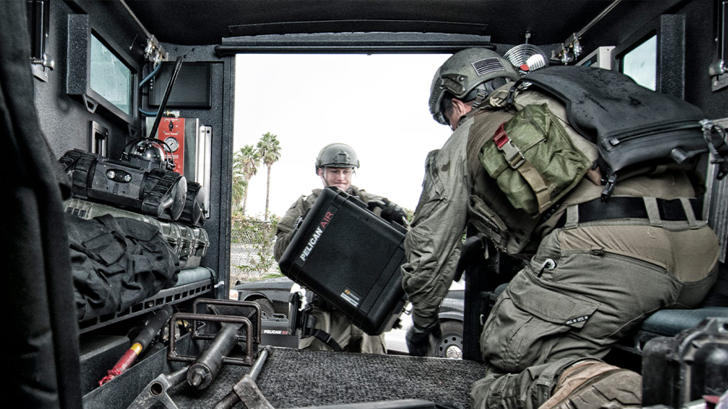 pelican 1607 military swat case