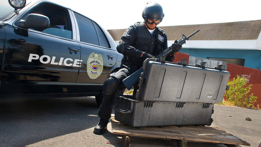 pelican 1740 police swat weapon case