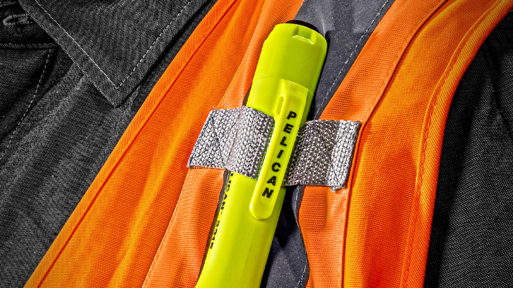 pelican 2315 clip safety led flashlight