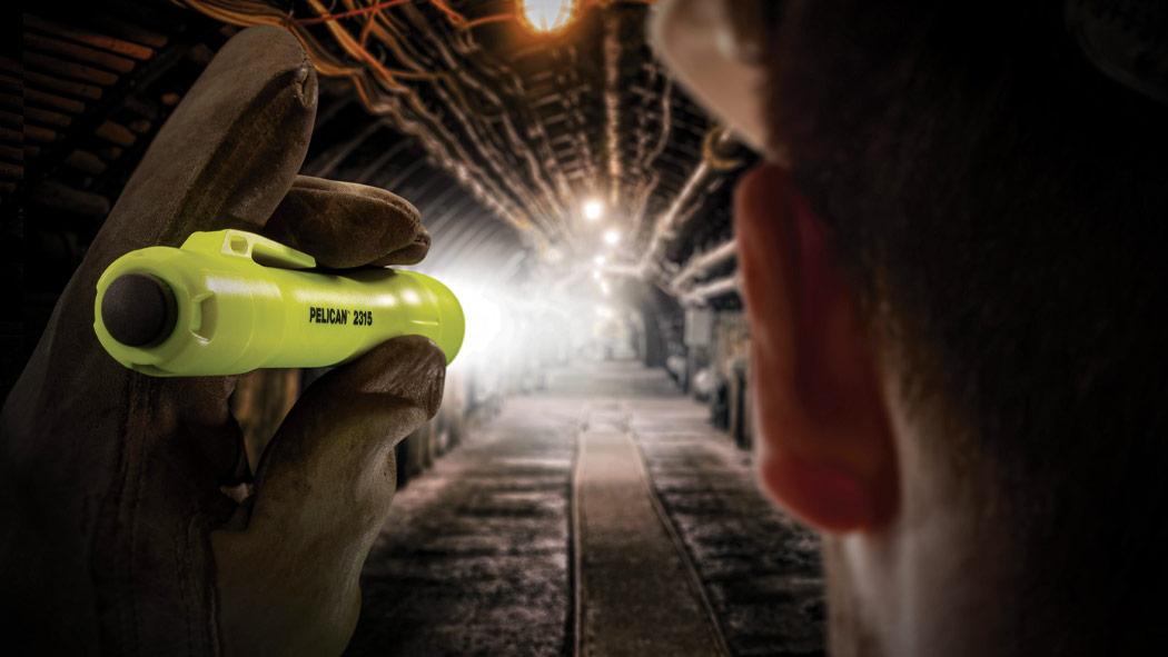 pelican 2315 led safety flashlight