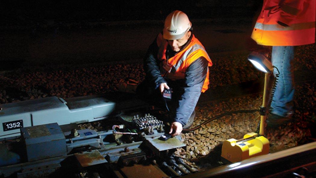 pelican 9430 rail night work led light