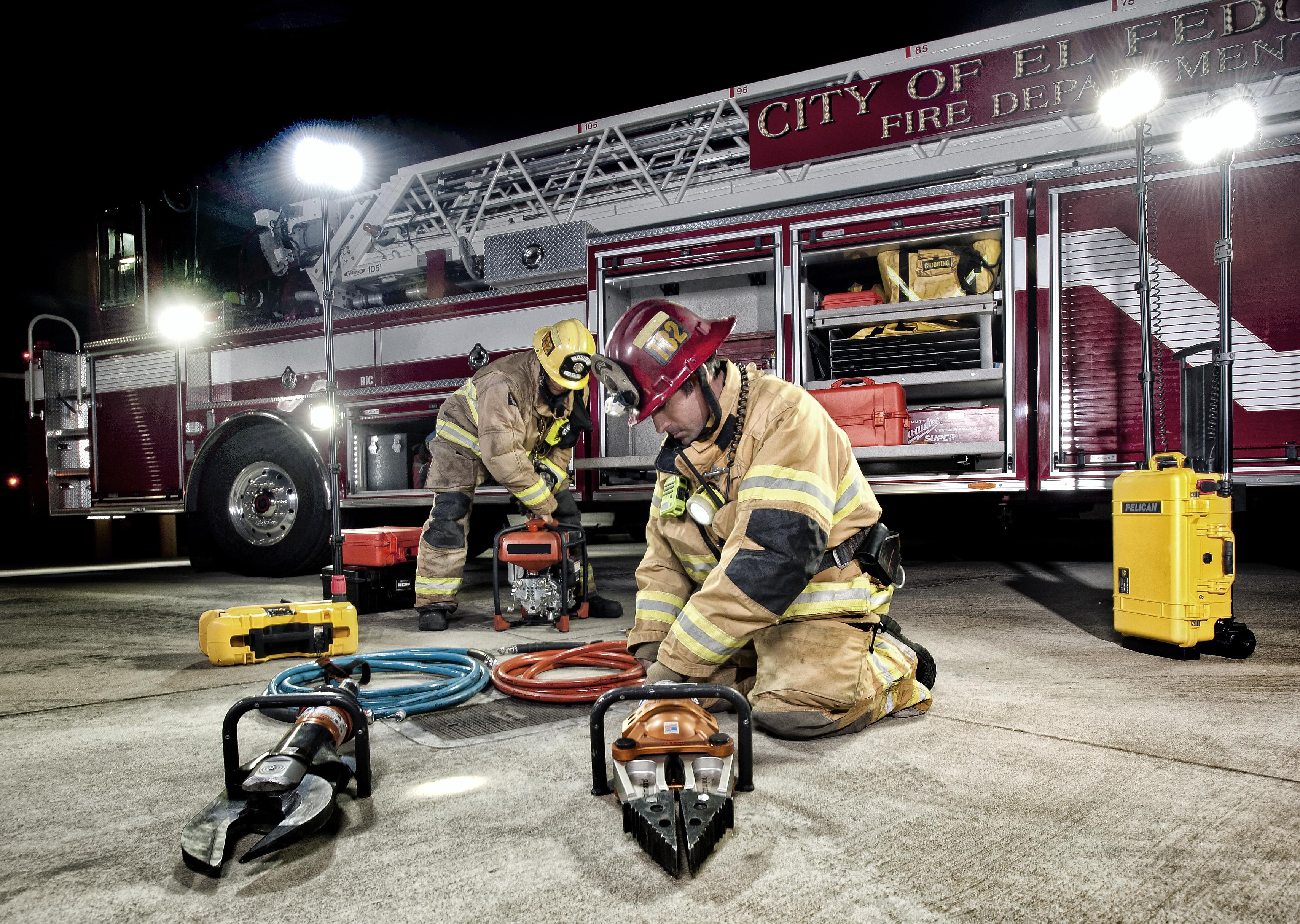 pelican 9490 9460m firefighter rals light