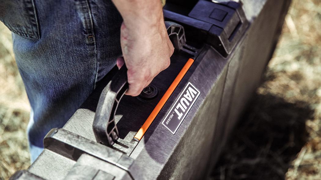 pelican v700 vault single rifle case